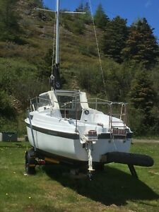 "1991 26"" MacGregor Sailboat - immaculate."