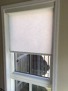 *Price drop* Brand new roller shade