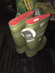 Brand new Dunlop steel toed rubber boots