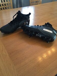 Size 11 men's football cleats