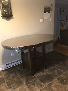Bar style table with 6 chairs
