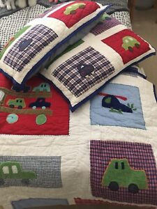 Pottery Band Kids Quilt Bedding