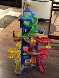 Fisher Price Little People City Skyway Playser