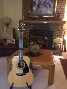 Yamaha LD 10 E electric acoustic guitar