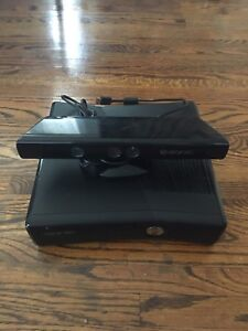 Xbox 360 + Kinect + 3 Controllers + 18 Games