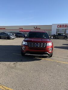 2016 FORD EXPLORER XLT AWD LOW KM 32only