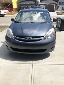 Selling 2008 Toyota Sienna CE