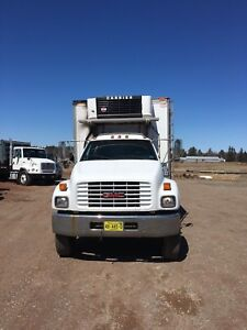 2000 GMC REEFER TRUCK