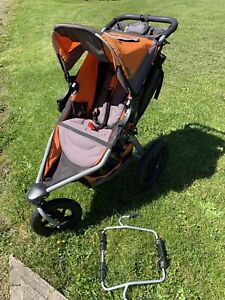 BOB stroller with 2 Graco car seats plus stroller adapter!!