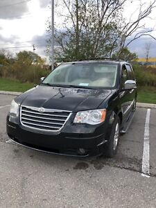 2009 Chrysler Town and Country Limited WOW!