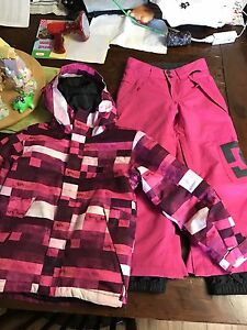 DC girls snowboarding jacket and pants size xsmall