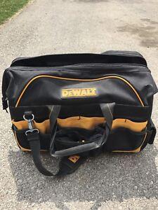 """Dewalt 18"""" Pro Contractor Tool Bag"""