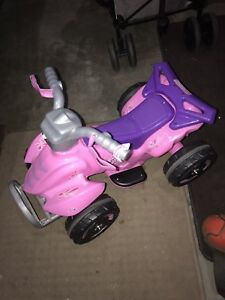 KIDS POWER WHEELS!