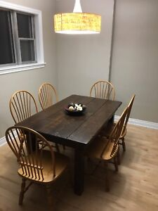 Dining Room Table. 5ft L x 37in W x 30in H