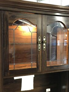 Hutch display cabinet with light inside