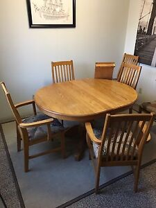Oak Table Set REDUCED PRICING