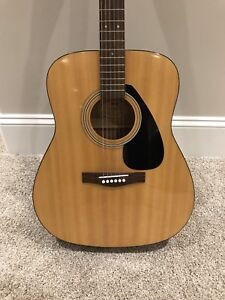 Yamaha Acoustic Guitar with Hard Case