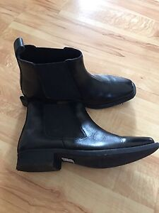 Brand new Mens dress shoes boots sz 9