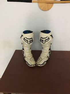 Wanted: Fox instinct boots