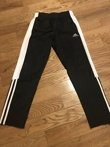 Adidas pants youth med (10-12). Excellent condition