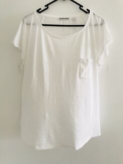 Country Road cap sleeve white t shirt size large / 14