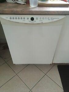 Lave-vaisselle à vendre