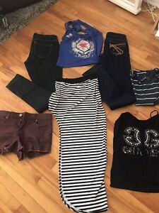 Lot de vêtements à 10$(S)