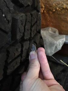 Pneu Good Year Duratrac lt285/75/r16 jeep wrangler