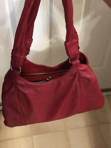 Burgundy leather purse (excellent condition)