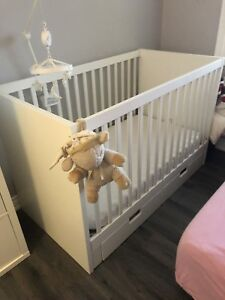 Two door baby Crib including mattress with the cover