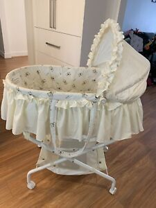 Baby bassinet good condition $25 pick up Werribee