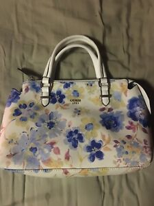 Guess Handbags/Purses Collection