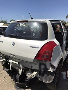 Suzuki swift 2007 wrecking all parts available Broadmeadows Hume Area Preview