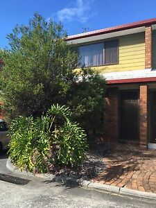 Tidy Townhouse for Rent Holland Park West Brisbane South West Preview