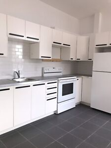 MILE END renovated 4 1/2- hot water included