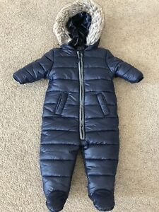 f8eab73ec271 Baby snow suit 3-6 months