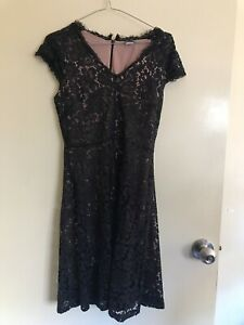 Black and nude formal or semi formal lace dress Highgate Hill Brisbane South West Preview
