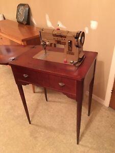 Machine à coudre Singer Antique