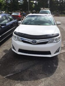 2013 Toyota Camry Hybrid white fully loaded