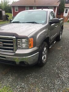 2012 GMC short box Sierra 4x4 5.3 V8