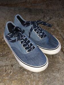 Old Navy Sneakers - Size 3