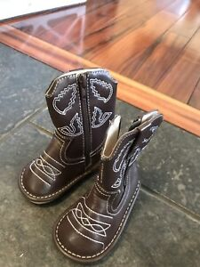 Toddler cowboy boots size 5/6