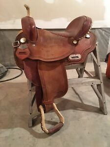 "CC 15"" Barrel Saddle"