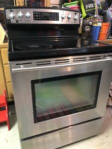 Jenn-Air Stainless Glass Top Stove