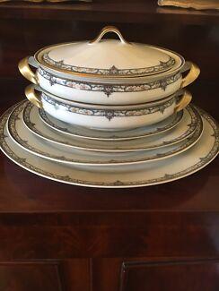 Antique Theodore Haviland Limoges Dinner Set - 1920s - 170 pieces