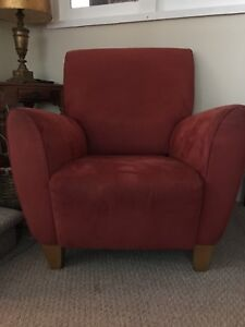 Beautiful Italian made wing back arm chair $80