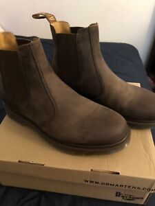 BNIB Dr. Martens Chelsea Boots size Mens 9US - Womens 10US