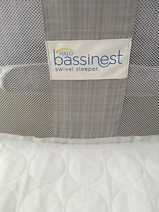 Halo Bassinest Swivel Sleeper Luxe Plus Edition