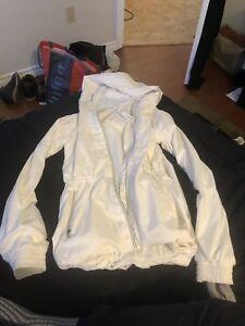 Small lululemon rain jacket women's