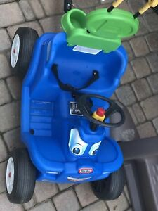 Little Tikes Deluxe 2-in-1 Cozy Roadster: great used condition